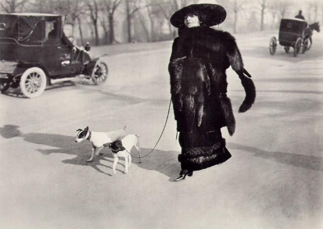 Jacques-Henri Lartigue Avenue du Bois de Boulogne, Paris 1911